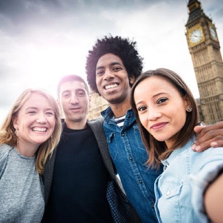 Иностранцами с путешествий знакомства сайт для